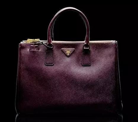香港PRADA加入奢侈品降价大军行列