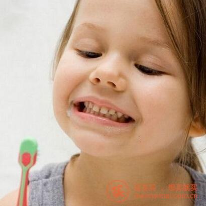 日常口腔怎么护理?牙齿怎么保护?