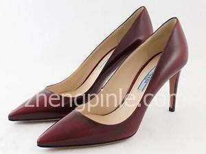 普拉达PRADA高跟鞋真假辨别方法