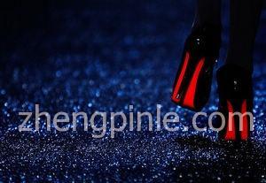 红底鞋鲁布托Christian Louboutin真假辨别方法