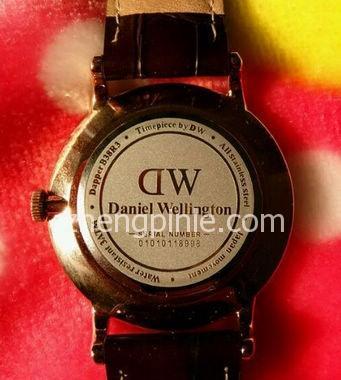 dw手表真假辨别图解