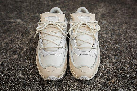 """adidas Original联名款Ozweego""""Cream""""发售"""