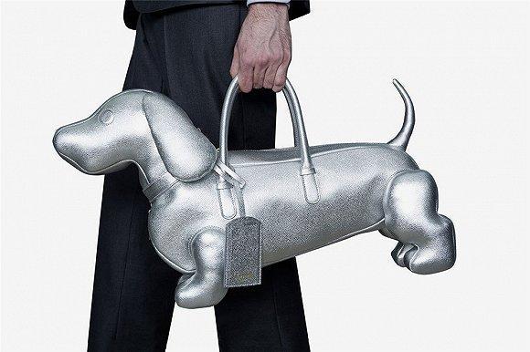 美国设计师品牌THOM BROWNE的名犬Hector有了银色版