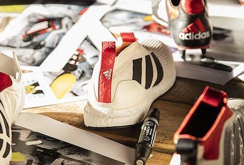 "adidas阿迪达斯复刻""Predator Mania Champagne""球鞋"
