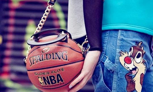 美国艺术家Andrea Bergart推出篮球造型的手袋系列