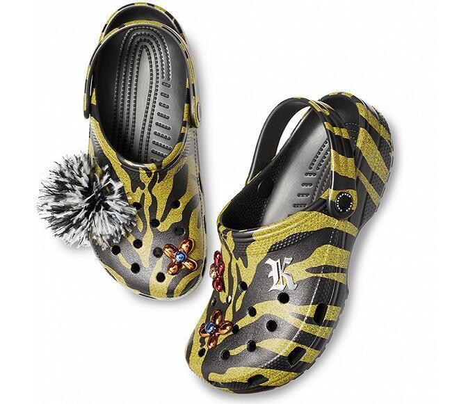 美国Crocs与设计师Christopher Kane推出全新联名合作系列