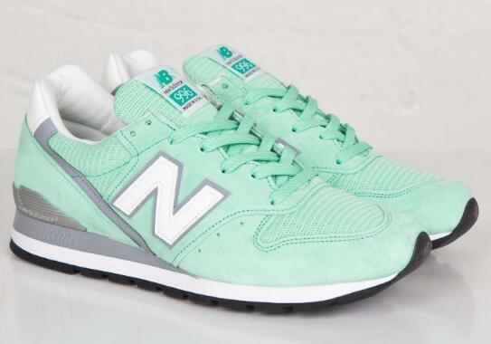 New Balance 新百伦Classics M996系列男款经典复古跑步鞋 清新绿 4折好价$63 98,转运到手约528元