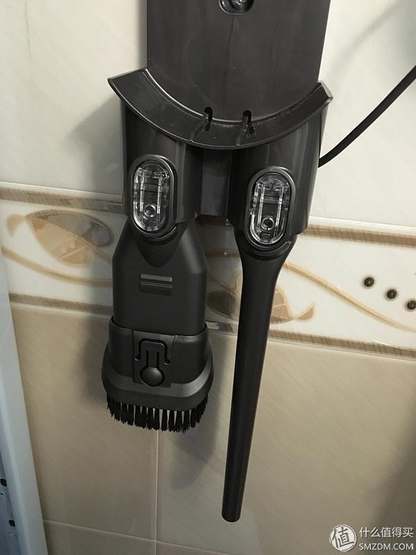拔草成功:dyson 戴森 SV09 V6 Fluffy 手持式家用吸尘器