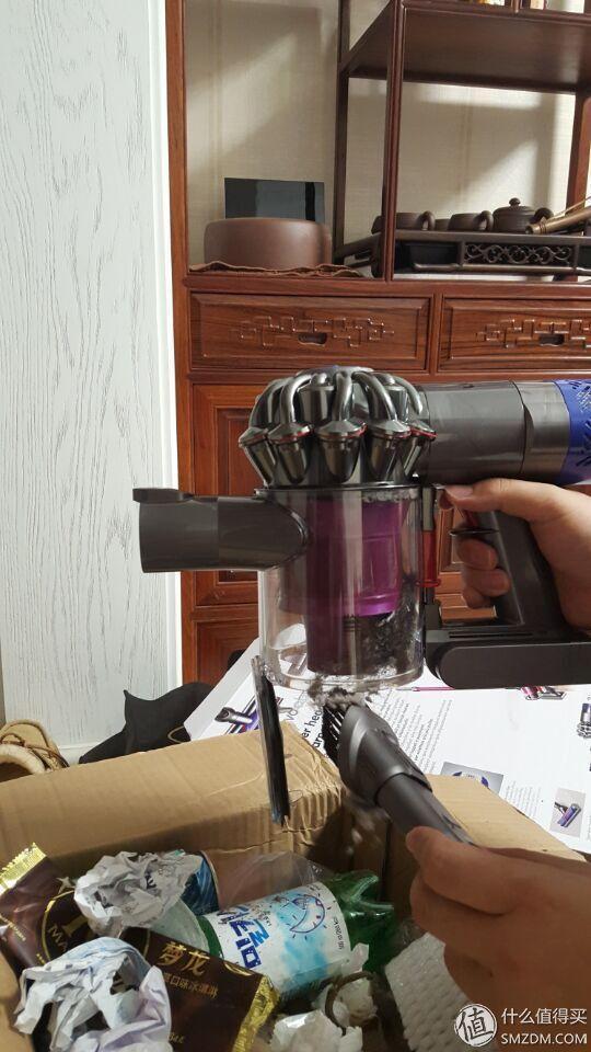 吸尘器中的战斗机:Dyson 戴森 V6 Absolute