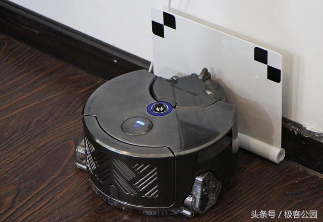 戴森发布智能吸尘机器人,亮点是 360 度全景视觉技术