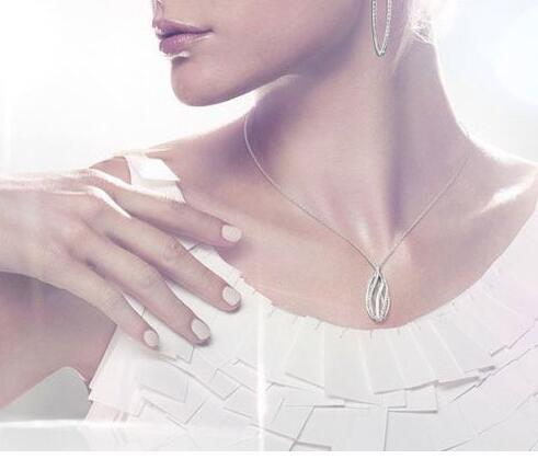 Swarovski 施华洛世奇银色水晶镂空旋转水滴项链5005860 折后特价$51.99,转运到手约395元