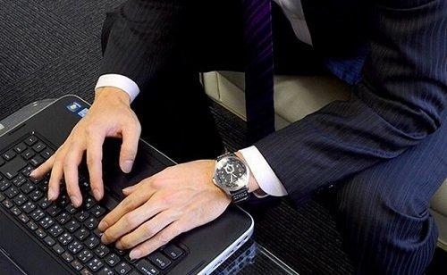 HAMILTON汉米尔顿Khaki Aviation QNE卡其航空机械男表H76655733 清仓特价$379,转运约到手2620元