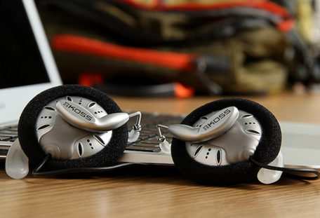 高斯 KOSS KSC75 经典挂耳式耳机77.36元(直邮低至86元,历史新低)