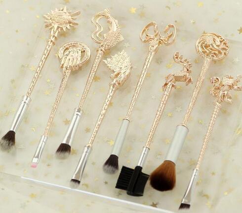 美国女装电商Bijou Blossoms推出主题化妆刷
