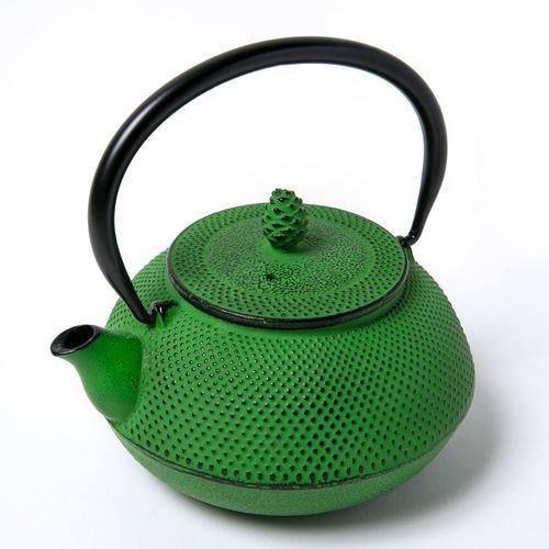 【松屋百货】【伴手礼专场单品包邮】OIGEN 及源铸造 南部铁器系列茶壶0.6L草绿色