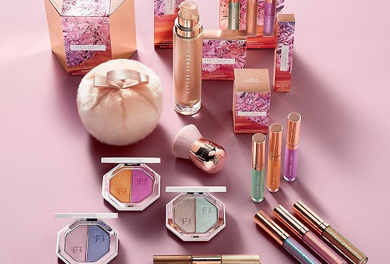 Rihanna的海滩美妆新品5月21日上市