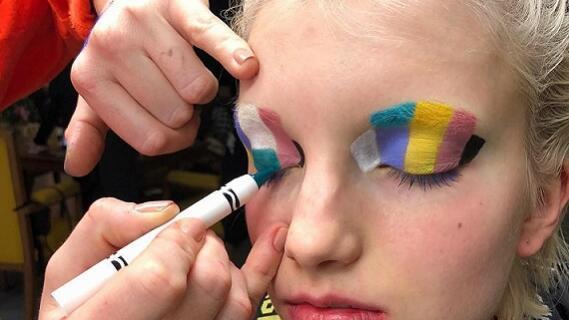ASOS x Crayola合作系列化妆品发布