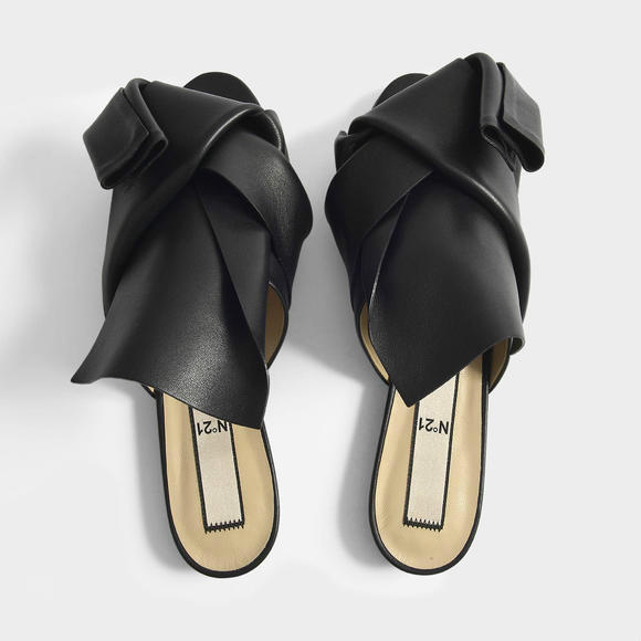 N°21 皮质平底穆勒鞋 + Acne Studios Toronto Logo 围巾 220x50
