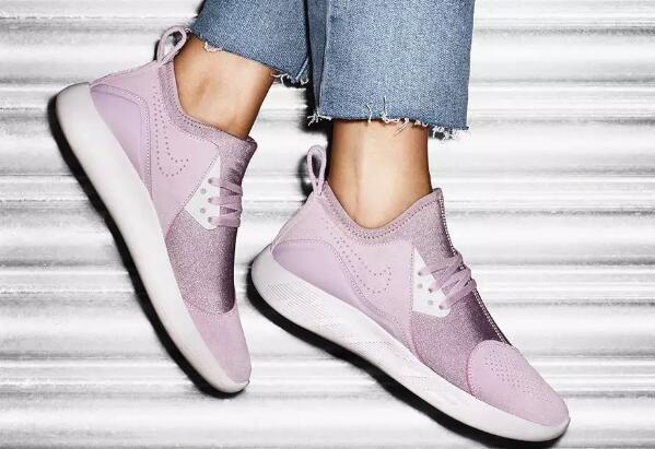 哪種跑鞋適合女生 女子跑鞋推薦