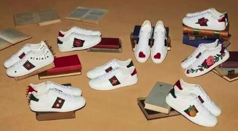 gucci蜜蜂鞋怎樣看真假 gucci小蜜蜂鞋真假圖解
