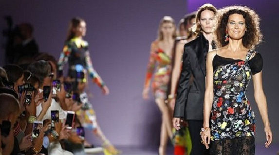 Michael Kors或将以20亿美元收购Versace