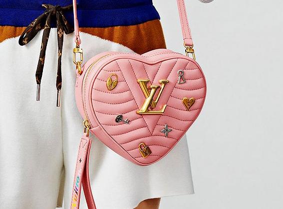 LV路易威登推出新款New Wave Heart Bag